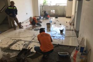 + Bảng báo giá sửa nhà tại Bình Dương, kèm theo dịch vụ sửa nhà tại bình dương của chúng tôi. Nhận sửa chữa và cải tạo lại nhà cũ, xuống cấp, nâng cấp nền móng nhà,…Nhận xây tô ốp trát tường nhà, ốp gạch men, ốp tường, vận chuyển xà bần…  +  Thợ sửa nhà tại Bình Dương có nhiều năm kinh nghiệm trong lĩnh vực xây dựng. Nhân viên kỹ sư, kỹ thuật có nhiều năm kinh nghiệm trong nghề xây dựng. CHIẾN PHÁT, sở hữu đội thợ xây nhà, sửa nhà chuyên nghiệp, đảm bảo tốt tiến độ bàn giao.